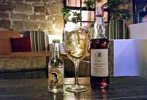 Cóctel de Cava y ginebra- Plymouth Sloe Gin